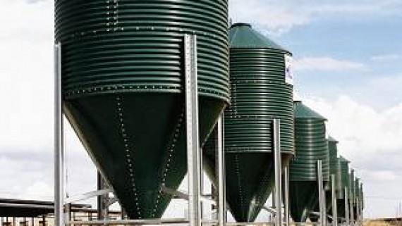 Equipamiento para Granjas Avícolas y Naves de Pollos - Silos de Almacenamiento